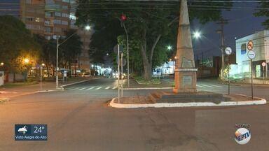 Confira o movimento das principais avenidas de Ribeirão Preto na véspera de Natal - Trânsito flui normalmente, sem registro de lentidão, na zona Sul da cidade.