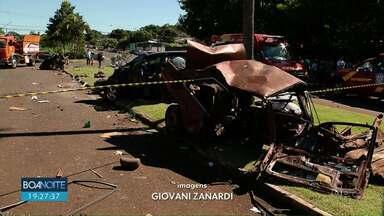 Duas pessoas morreram depois de acidente, em Foz do Iguaçu - A batida foi entre dois carros e uma das principais avenidas da cidade.