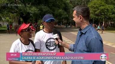 Atletas treinam para a São Silvestre em São Paulo - Galera se aquece e treina para fazer bonito na prova mais especial do atletismo da cidade