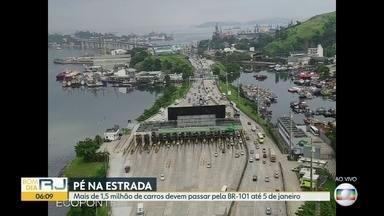 Confira o trânisto na saída para o Réveillon - Mais de 2 milhões de veículos devem passar pela Ponte Rio-Niterói até 02 de janeiro. Estradas da Costa Verde vão ter movimento intenso nos próximos dias.