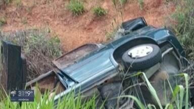 Motorista morre em acidente na Rodovia Fernão Dias em MG - Carro capotou em trecho próximo a Campanha