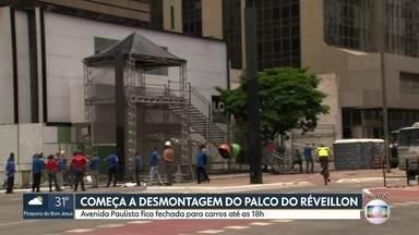 Começa a desmontagem da festa de Réveillon na Av. Paulista - Avenida ficará interditada até 18h