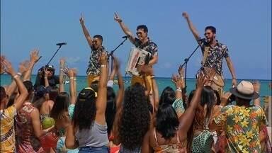 Programa de 04/01/2020 - A banda Fulô de Mandacaru apresenta o Fulô de Mandacaru Summer. O projeto relembra grandes sucessos e apresenta músicas inéditas num show gravado na praia de Xaréu, Alagoas.
