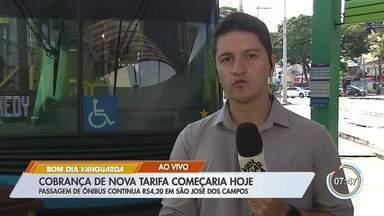 Cobrança de nova tarifa de ônibus é suspensa pela prefeitura de São José - Medida passaria a valer nesta segunda-feira.