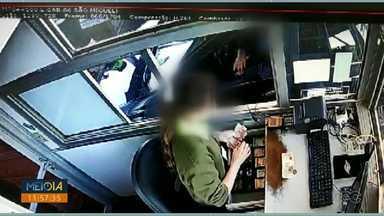 Suspeito de assaltos na BR-277 é preso - Homem foi detido em uma casa, em São Miguel do Iguaçu.