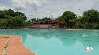 Prefeitura de Rio Preto oferece piscinas públicas na cidade - A Prefeitura de São José do Rio Preto (SP) mantém quatro piscinas públicas na cidade e oferece atividades como natação e hidroginástica.