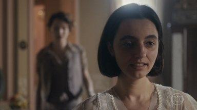 Justina pede para voltar para casa com Adelaide - Adelaide se emociona quando Justina diz que quer ficar junto dela pra sempre
