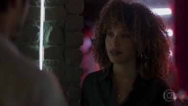 Marcos quer a ajuda de Gisele para parar Diogo - Yuri acha a ideia inadmissível