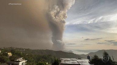 Cerca de 8 mil pessoas deixam suas casas após erupção de vulcão nas Filipinas - A erupção de um vulcão nas Filipinas obrigou 8 mil pessoas a deixarem as casas.
