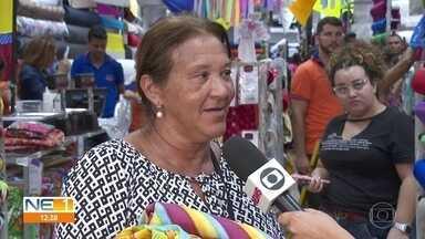 Carnaval oferece oportunidades de lucro para lojas de tecido e costureiras - Neste início do ano, costureiras correm para dar conta das encomendas de fantasias e acessórios.