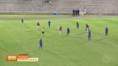 Santa Cruz fica no 0 a 0 com o Campinense, em Campina Grande - Santa Cruz fica no 0 a 0 com o Campinense, em Campina Grande