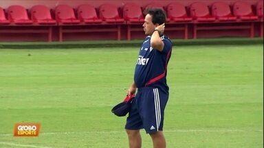 Sem novas contratações, Fernando Diniz faz testes no São Paulo - Sem novas contratações, Fernando Diniz faz testes no São Paulo