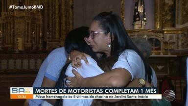 Missa homenageia as vítimas da chacina em Jardim Santo Inácio; Crime completa um mês - Homenagem aconteceu na noite de segunda-feira (13), na Catedral Basílica, no Terreiro de Jesus.