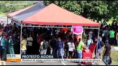 Moradores de cidades vizinhas à Landulpho Alves protestam contra a venda da refinaria - Manifestação acontece desde as sete horas da manhã desta terça-feira (14).