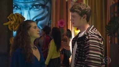 Filipe pede que Rita o perdoe - Madureira gosta da presença de Lígia e a convida para conhecer a ONG