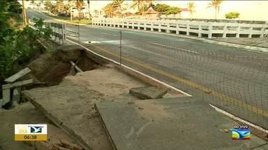 Governo do MA envia resposta sobre problema em avenida em São Luís - Erosão toma conta de parte do calçadão da Avenida Litorânea na capital.