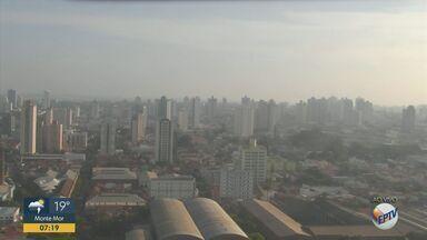 Confira a previsão do tempo para Campinas e região nesta quarta-feira (15) - Temperaturas altas predominam nas cidades, enquanto chances de chuva são baixas e isoladas. Em Campinas (SP), máxima chega a 31º C.