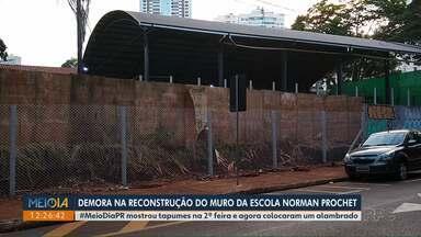 Alambrado é instalado na escola Norman Prochet - Secretaria Municipal de Educação diz que alambrado é provisório.
