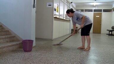 Delegacias estão sem o serviço de limpeza desde novembro - Empresa DH soluções rompeu o contrato.