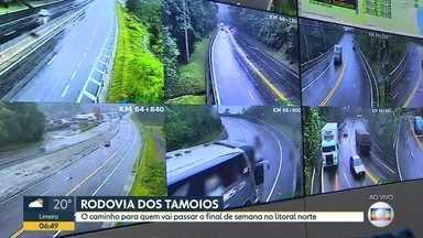 Fim de semana deve ter praia movimentada no litoral do estado - Repórteres atualizam movimento na Rodovia dos Tamoios e mostram clima em São Sebastião.