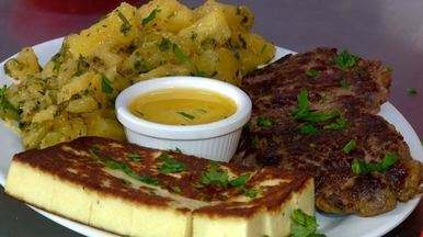 Trio ternura: queijo, mandioca e carne - Receita simples combina dose tripla de sabor