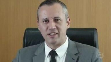Vídeo de Roberto Alvim fez referência a discurso nazista - O vídeo em que Alvim fala sobre o Prêmio Nacional das Artes foi divulgado na quinta-feira, uma hora depois da transmissão ao vivo em que participou com o presidente Jair Bolsonaro. Veja em detalhe o conteúdo do discurso e as referências.