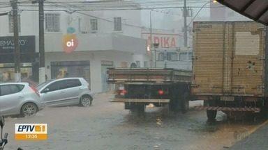 Chuva deixa estragos em Guaxupé (MG) - Chuva deixa estragos em Guaxupé (MG)