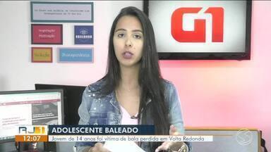 Adolescente é vítima de bala perdida na calçada de casa em Volta Redonda - Vítima de 14 anos foi atingida enquanto estava com amigos na Rua Vista Alegre, no bairro Santo Agostinho.