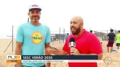 Humberto Gessinger faz show no Sesc Verão em Rio das Ostras - O cantor agita a praia de Costa Azul.