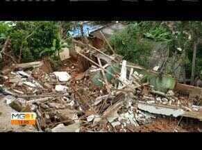 Chuva alaga ruas, derruba casas e invade comércios em Governador Valadares - Segundo balanço da Prefeitura, choveu 74 milímetros; não há registros de feridos. Três casas desabaram no Bairro Carapina.