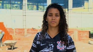 Jogadora do Corinthians, Yngrid Lima volta ao local onde deu os primeiros toques na bola - Alagoana brilha com a camisa do Timão
