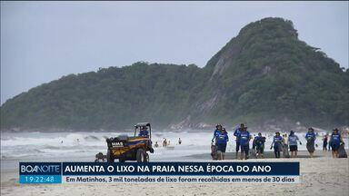 Aumenta a quantidade de lixo na praia na alta temporada - Em Matinhos, 3 mil toneladas de lixo foram recolhidas em menos de 30 dias.