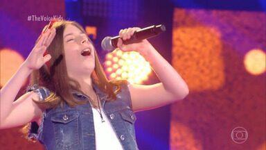 Conheça Turí e veja a apresentação musical - Com 12 anos ela cantou sucesso de Paulinho da Viola