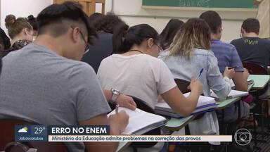 Ministério da Educação admite problemas na correção de provas do ENEM - Estudantes reclamaram do resultado do exame.