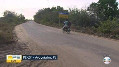 Acesso ao município de Araçoiaba oferece risco para motoristas - PE-27 está tomada por buracos e trechos em que asfalto desaparece.