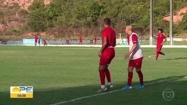 Times pernambucanos se preparam para próxima rodada do campeonato - Torcedores do Santa Cruz estão confiantes após a primeira vitória.