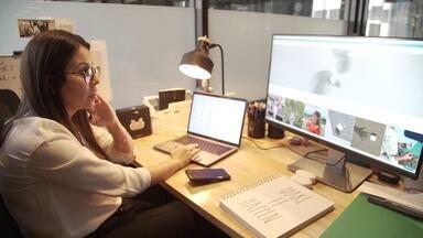 'EUA pelos Brasileiros': Stephanie Ferro conta como é ser empresária nos Estados Unidos - No último episódio da série, conheça a história da Stephanie, que conta como conseguiu o visto para trabalhar legalmente nos Estados Unidos.