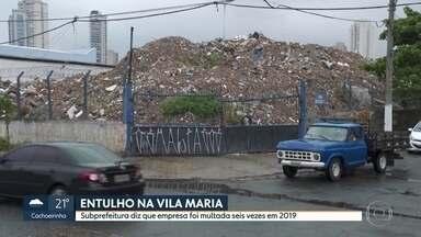 Moradores reclamam de acúmulo de entulho na Vila Maria - Área de transbordo e triagem está lotada de entulho faz meses. Moradores convivem com mau cheiro, ratos e baratas.