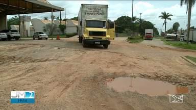 Caminhoneiros reclamam das péssimas condições do Posto Fiscal na BR-135, em São Luís - Promessa de reforma já supera dois anos.