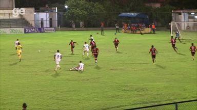Alex Mineiro solta canhota e acerta na gaveta em golaço no Piauiense - Alex Mineiro solta canhota e acerta na gaveta em golaço no Piauiense