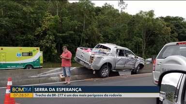 Duas pessoas ficam feridas em acidente na BR-277, em Morretes - A batida foi entre um caminhão e uma caminhonete.
