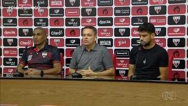 Atlético-GO apresenta técnico e anuncia saída de atacante - Treinador Cristóvão Borges fala pela primeira vez como comandante do Dragão, que não terá mais Zé Roberto, negociado com clube árabe.