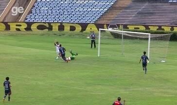 Era só empurrar! Valdo Bacabal perde gol incrível pelo River-PI diante do Piauí; veja - Era só empurrar! Valdo Bacabal perde gol incrível pelo River-PI diante do Piauí; veja