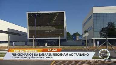 Embraer: 16 mil voltam ao trabalho após separação da aviação comercial - Embraer negocia com a Boeing a criação de uma joint (nova empresa) venture que englobará o braço de aviação comercial da fabricante brasileira.
