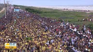 Milhares de pessoas participam de bloco na Orla de Atalaia - Milhares de pessoas participam de bloco na Orla de Atalaia.