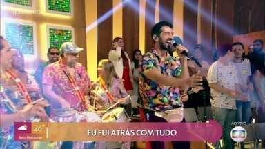 Grupo Fogo e Paixão canta 'Caça e Caçador - Galera comemora 10 anos de folia carnavalesca