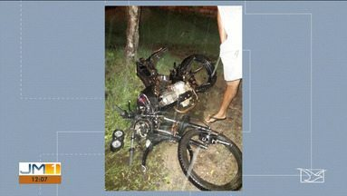 Uma pessoa morreu e uma ficou ferida em acidente na BR-222 no Maranhão - Acidente foi registrado em Santa Inês.