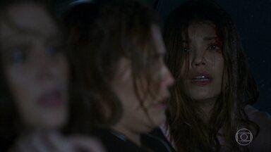 Luna, Alexia e Kyra são sequestradas - Sequestrador sofre acidente com as três dentro do carro