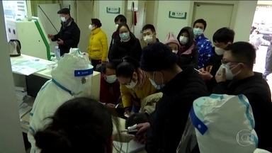 Autoridades chinesas confirmam 131 mortes pelo novo coronavírus - Foram confirmados quase 4.600 casos em 15 países. Maioria foi registrado na China. Presidente chinês se reuniu com o diretor-geral da OMS.