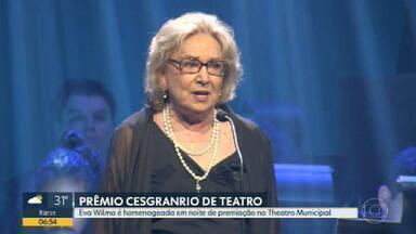 Eva Wilma é homenageada em noite de premiação no Copacabana Palace - A atriz Eva Wilma foi a grande homenageada do Prêmio Cesgranrio de Teatro. São 66 anos de carreira. A festa foi no Copacabana Palace.